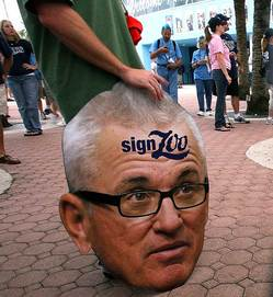 joe-maddon-sign.jpg