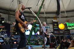 Thumbnail image for REOSpeedwagon2011 262.JPG