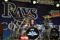 Thumbnail image for REOSpeedwagon2011 270.JPG