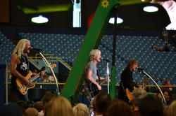 Thumbnail image for REOSpeedwagon2011 275.JPG